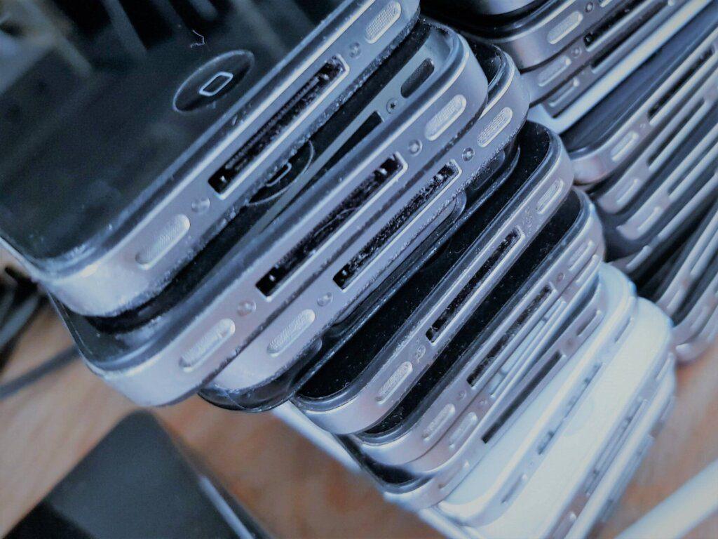 oude Iphones - opgekocht door IT-recycling